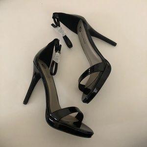 Michel Antonio high heels sandals
